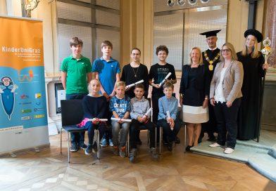 Glückwunsch an die frischgebackenen Bachelor- und Master-AbsolventInnen der KinderUniGraz!!!